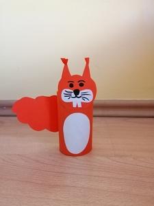 Wiewiórka – praca plastyczna z wykorzystaniem rolki