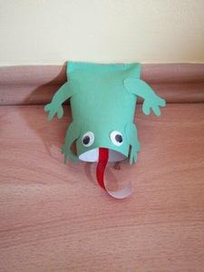 Żaba – praca plastyczna z wykorzystaniem rolki