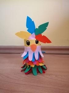 Papuga-praca plastyczna z wykorzystaniem rolki