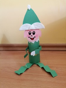 Elf- praca plastyczna z wykorzystaniem rolki