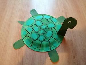 Żółw- praca plastyczna z wykorzystaniem talerzyka papierowego