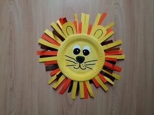 Lew- praca plastyczna z wykorzystaniem talerzyka papierowego