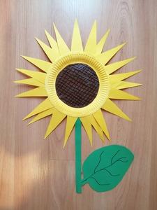 Słonecznik- praca plastyczna z wykorzystaniem talerzyka papierowego