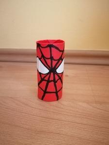 Spiderman - praca plastyczna z wykorzystaniem rolki