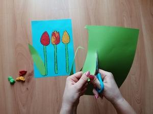 Wiosenne tulipany-praca plastyczna z wykorzystaniem plasteliny