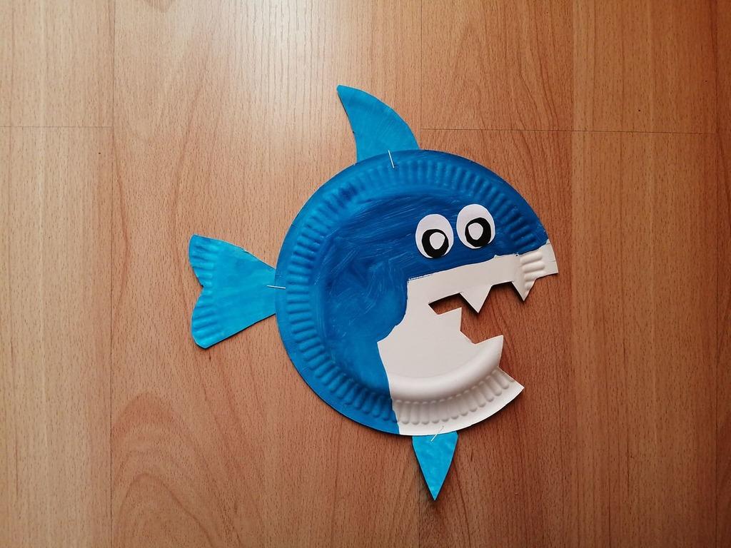 Rekin - praca plastyczna z wykorzystaniem talerzyka