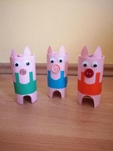 Trzy świnki - praca plastyczna z wykorzystaniem rolki