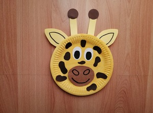 Żyrafa - praca plastyczna z wykorzystaniem talerzyka papierowego