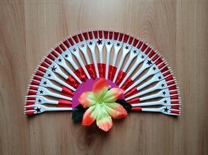 Wachlarz – praca plastyczna z wykorzystaniem plastikowych widelców