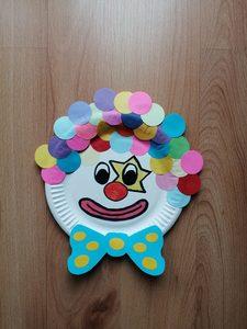 Klaun - praca plastyczna z wykorzystaniem talerzyka