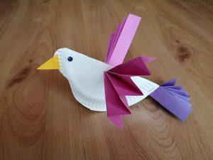 Ptaszek - praca plastyczna z wykorzystaniem talerzyka