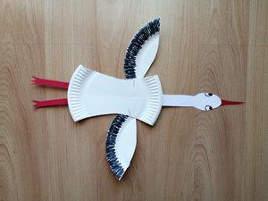 Bocian - praca plastyczna z wykorzystaniem talerzyka