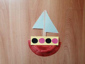 Statek - praca plastyczna z wykorzystaniem talerzyka papierowego