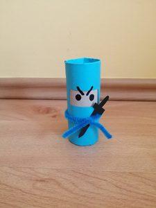 Ninja - praca plastyczna z wykorzystaniem rolki