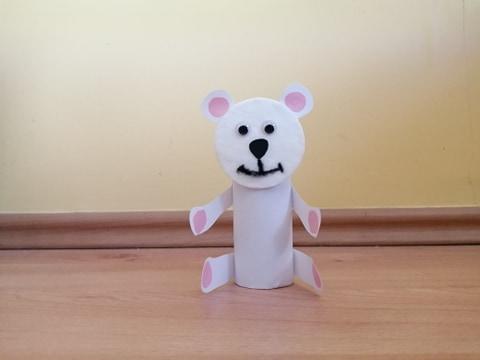 Niedźwiedź - praca plastyczna z wykorzystaniem rolki