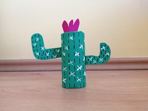 Kaktus - praca plastyczna z wykorzystaniem rolki