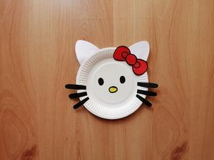 Hello Kitty - praca plastyczna z wykorzystaniem talerzyka papierowego