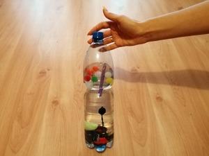 Kolorowa butelka - ćwiczenie sensoryczne