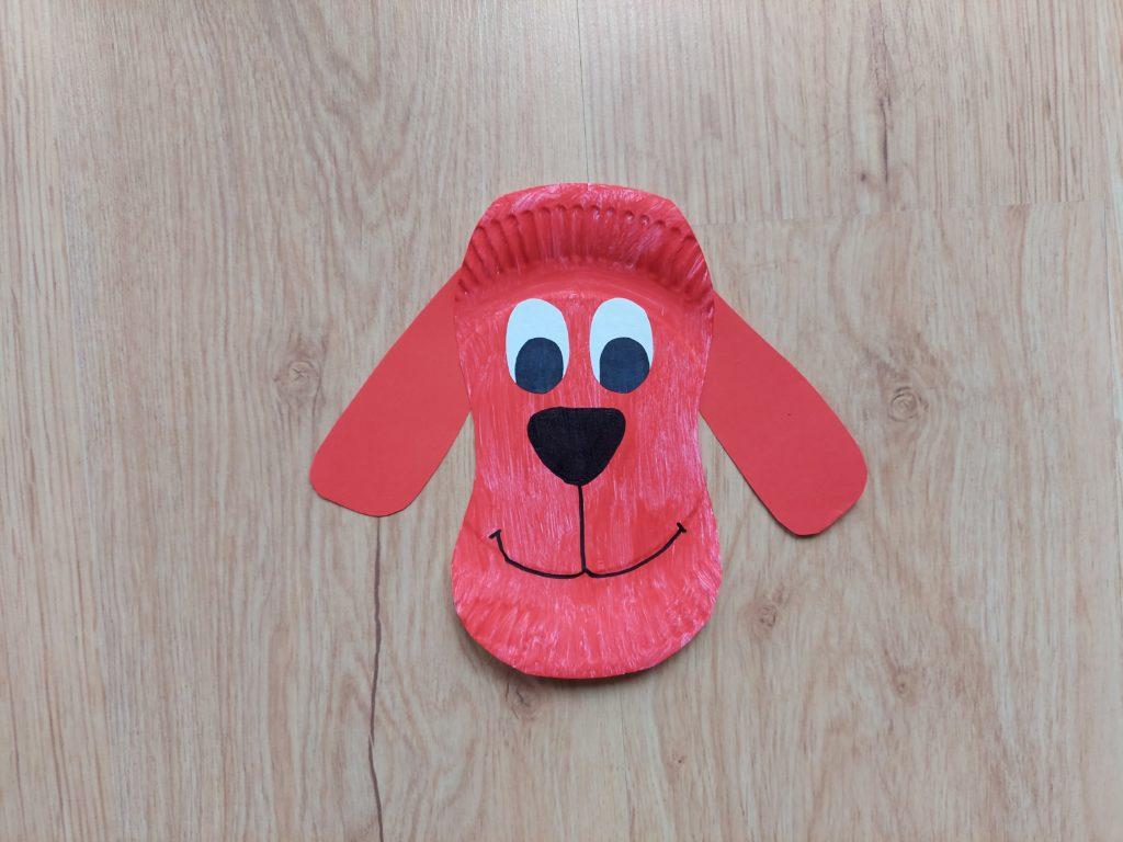 Clifford - praca plastyczna z wykorzystaniem talerzyka papierowego