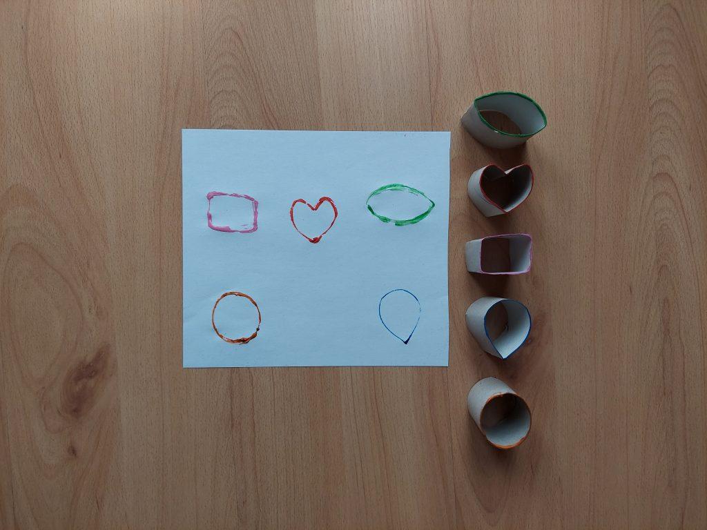 Stempelki - praca plastyczna z wykorzystaniem rolek